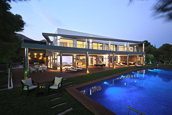 Villa en primera línea al mar en Altea